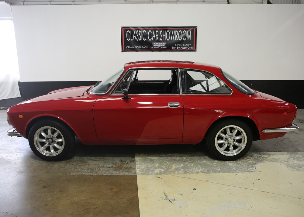 1969 Alfa Romeo 1750 GT Veloce 2 Door Coupe for sale