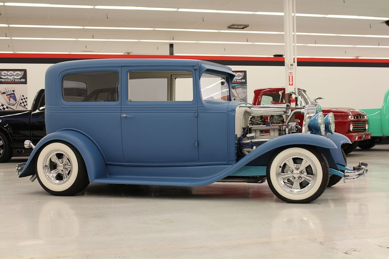 Chevrolet vehicles specialty sales classics for 1931 chevrolet 4 door sedan