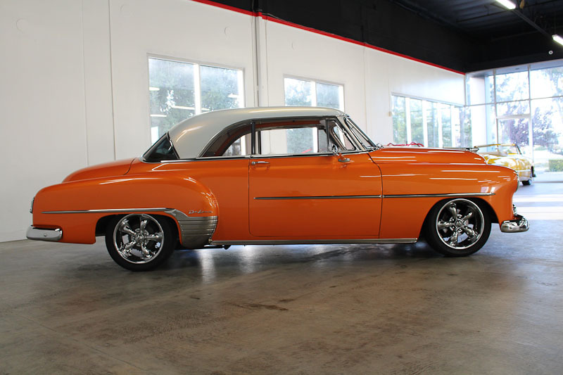 Chevrolet vehicles specialty sales classics for 1952 chevy two door hardtop